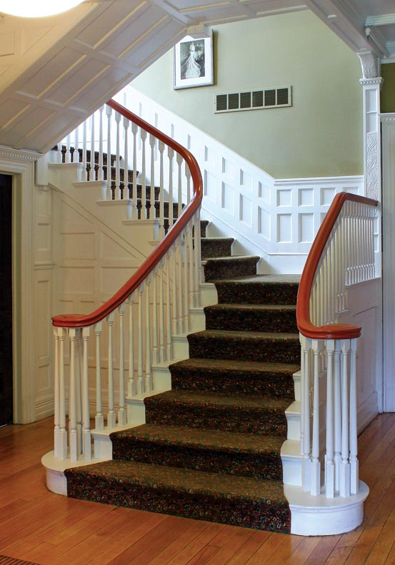 The grand staircase in the Roehm House.