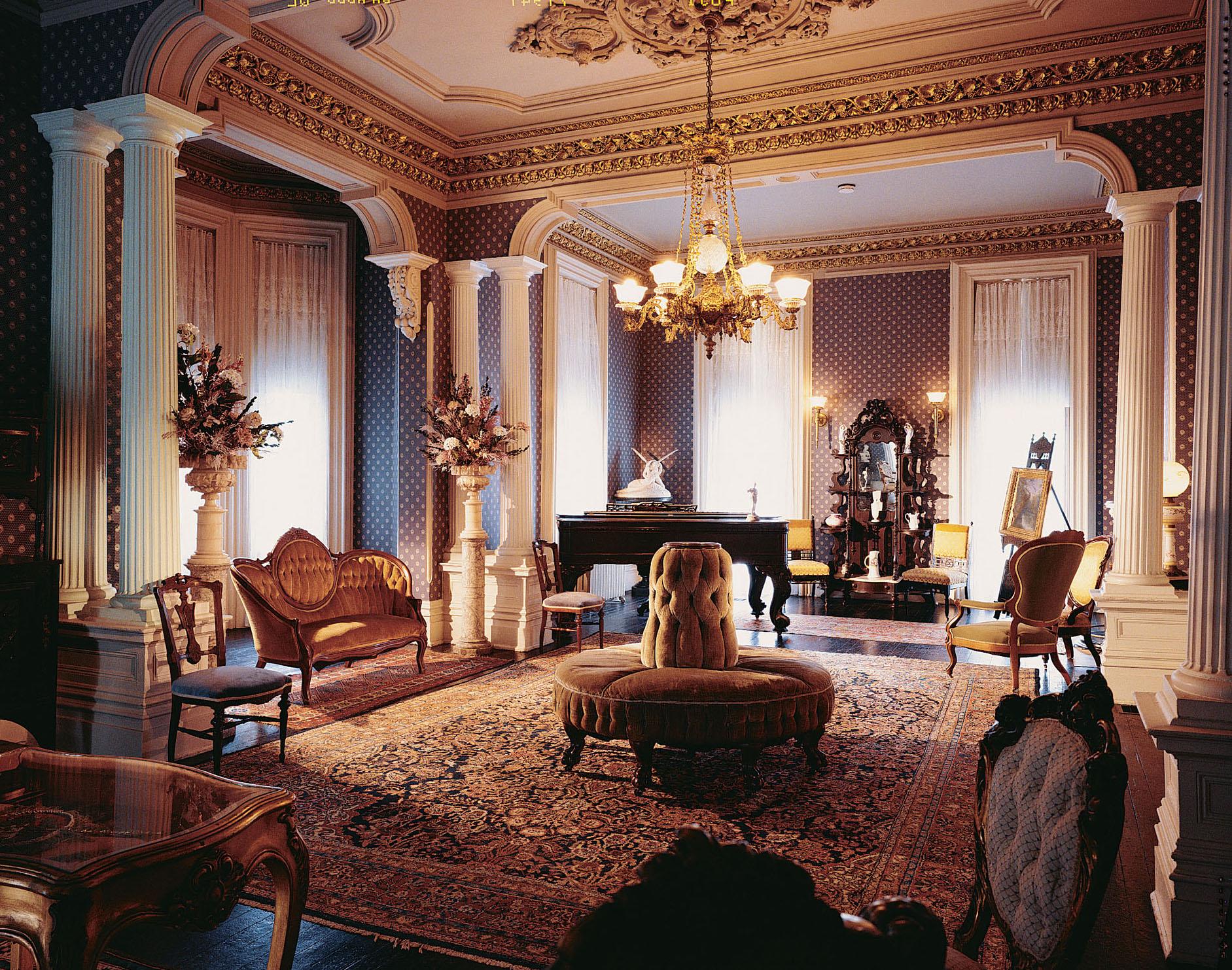 formal parlor at Magnolia Manor
