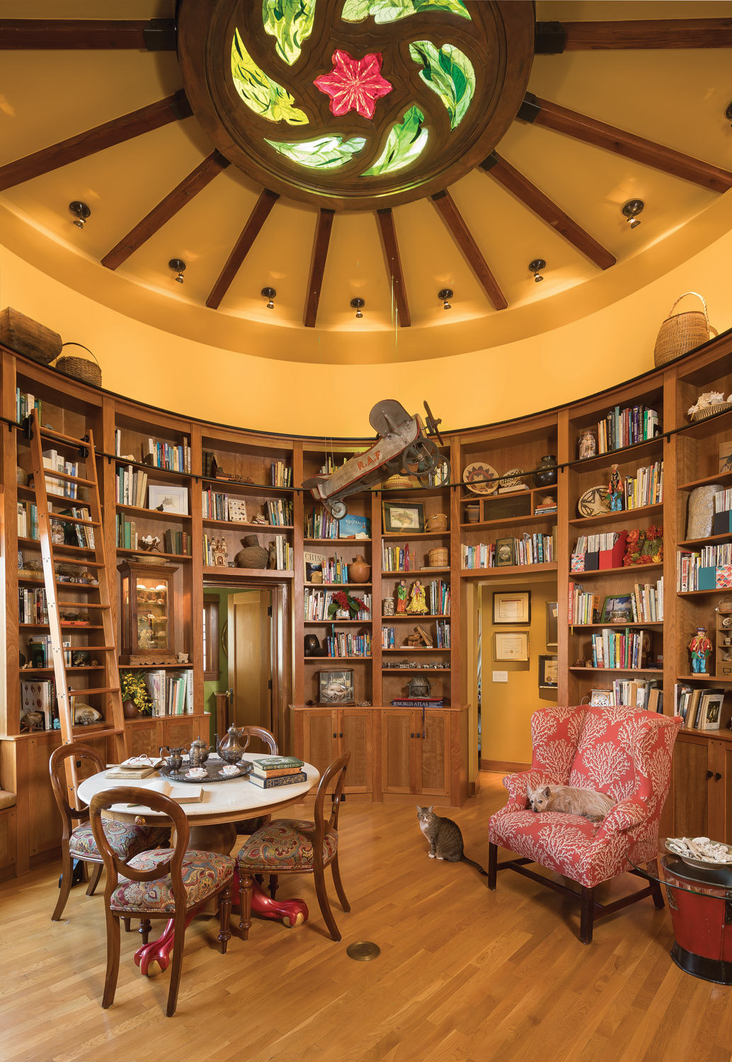 circular library, Spanish Colonial