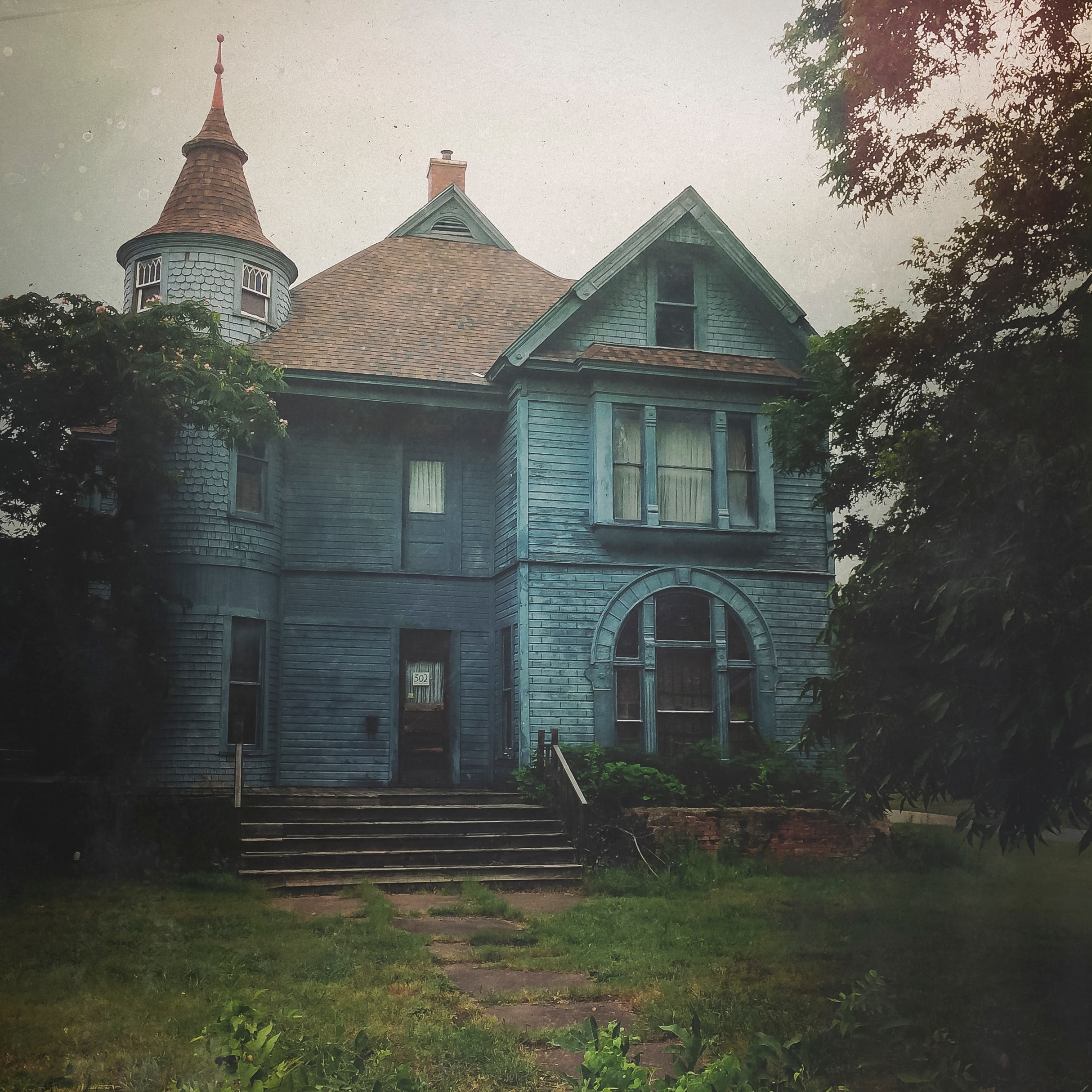 old house, ghost