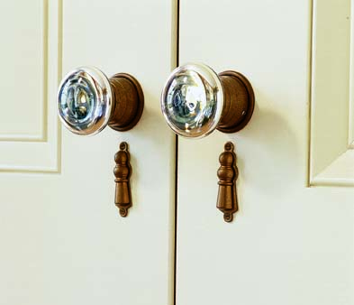 Mercury glass knobs were popular in the Greek Revival era.