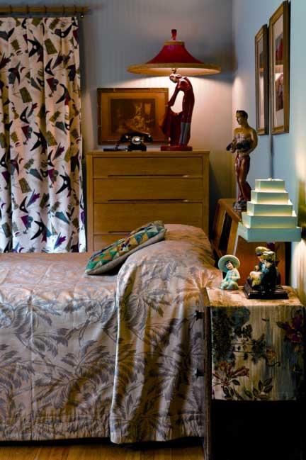 mid-century-bedroom