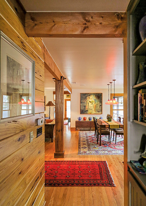 Mixes of furniture styles mingle.