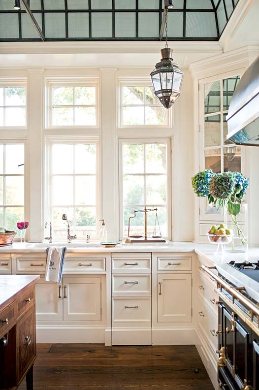 Traditional cabinetry profiles create a formal look and feel.