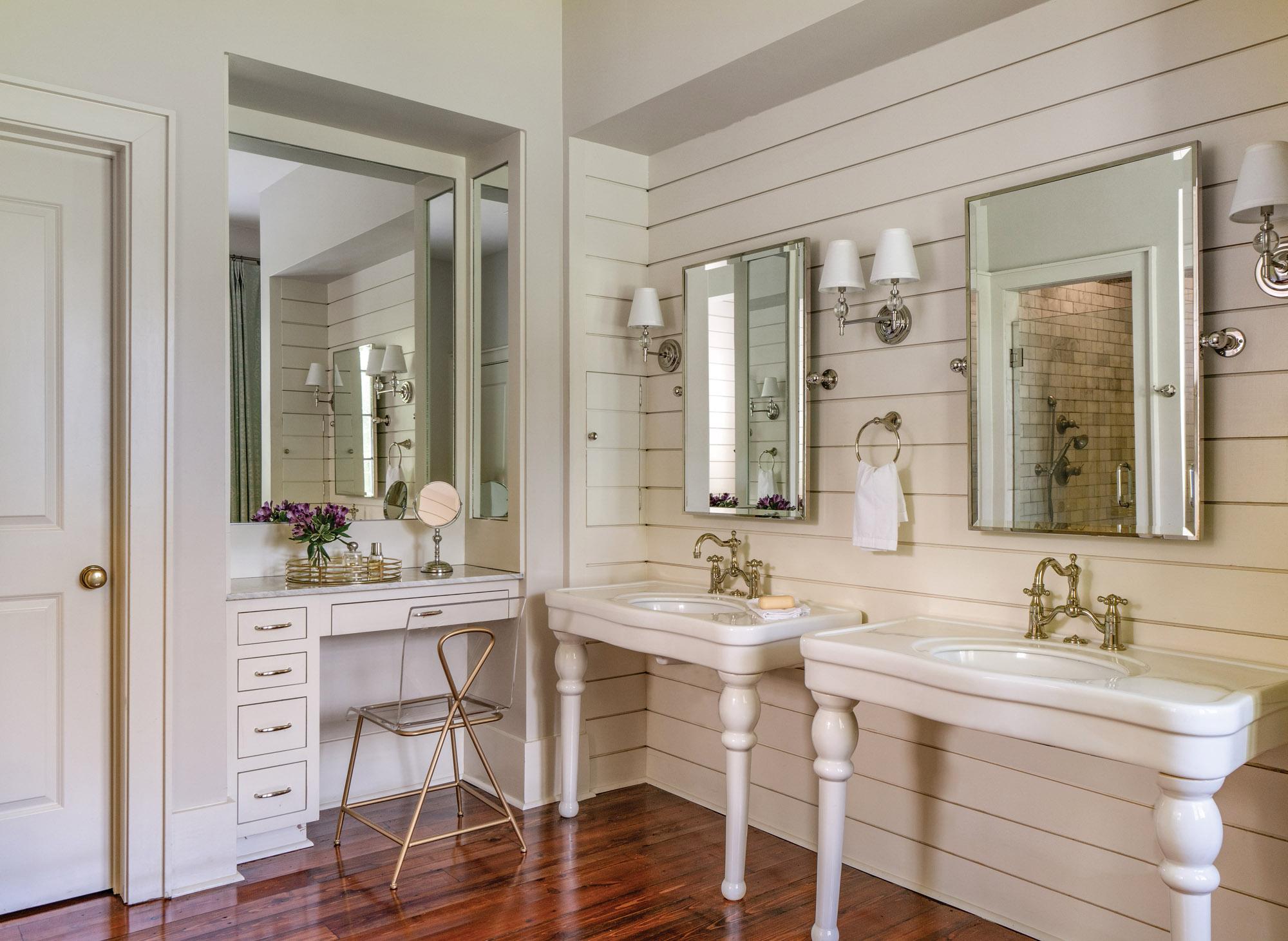 shiplap bathroom