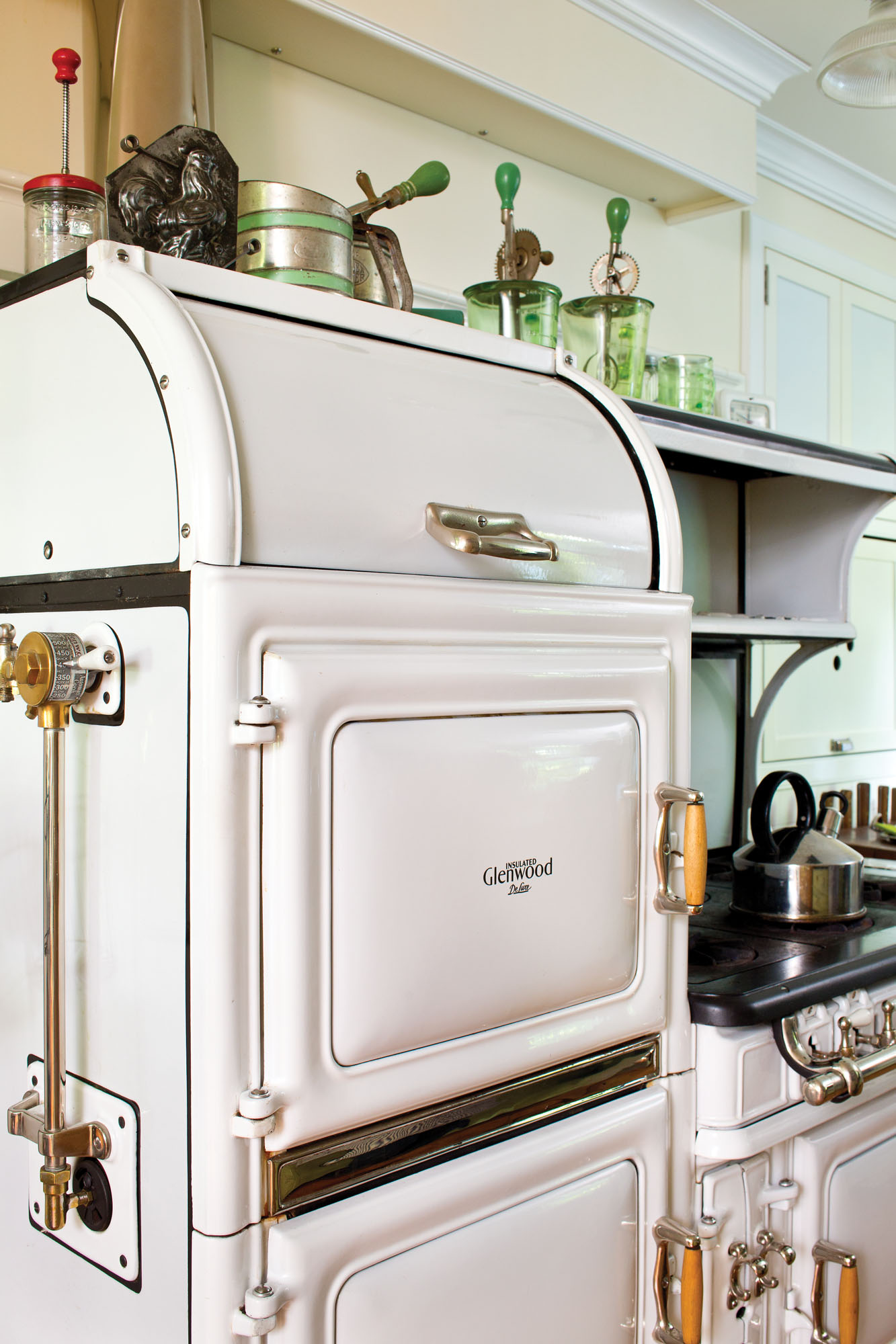 The six-burner, two-oven Glenwood SNJ was restored by Erickson's Antique Stoves.