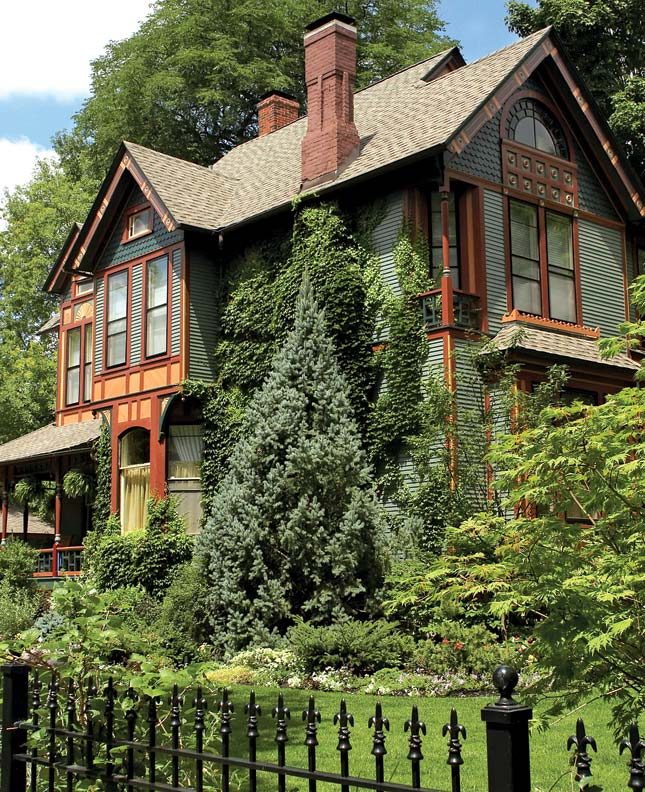 """An idea from a 1910 House and Garden article entitled """"The Right Use of Evergreens"""" (bottom) put into practice."""