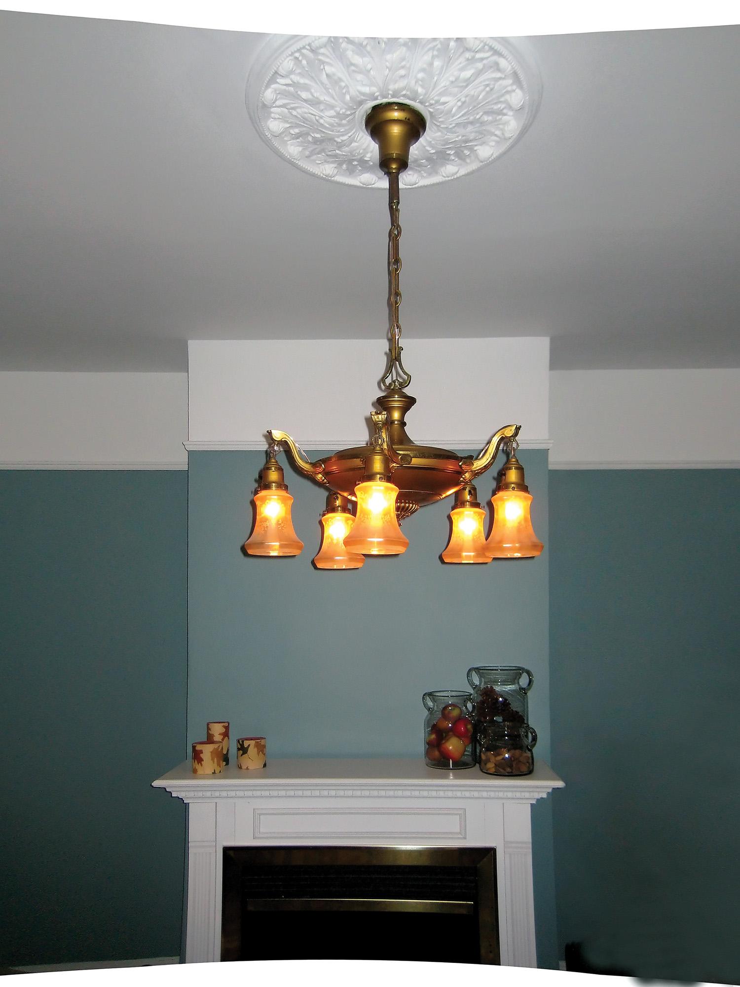 Vanity Lights Flickering : Flickering Light Fixture - Quot Balafire Flicker Quot Carbon Fillament Light Bulb 15 Watt ...