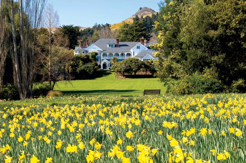 "Owners Hall Cannon and Miles Refo revived Sir Heaton Rhodes' ""Daffodil Day"" tradition of inviting the public to view the lodge and grounds during peak blooming season."