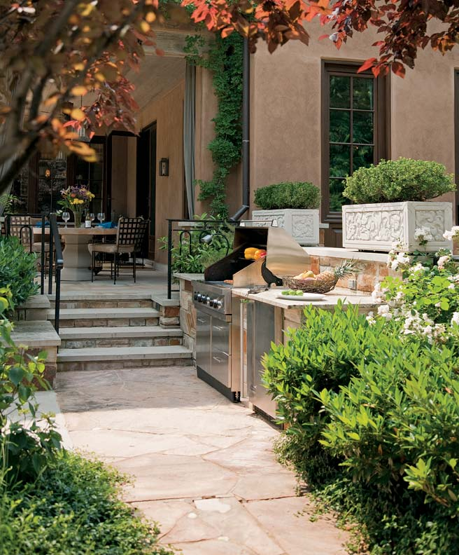 Barnes Vanze Architects designed this small outdoor kitchen for a client who loves to entertain.