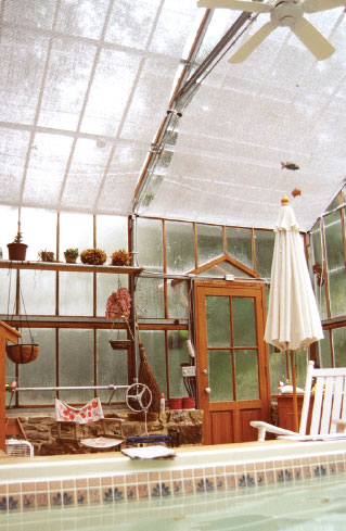 Another client of Ward's who, like the Hollens, has a heated pool in her greenhouse says it helps warm it—not to mention providing humidity for plants.