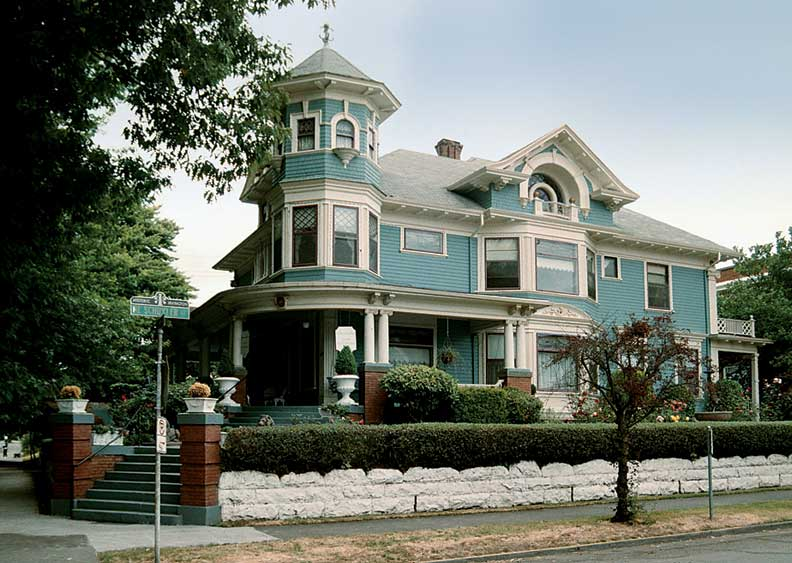 Best old house neighborhoods in portland oregon old for Victorian colonial homes
