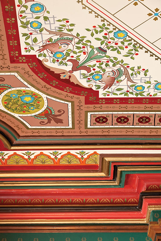 Re-creation of a parlor ceiling (Photo by William Wright)