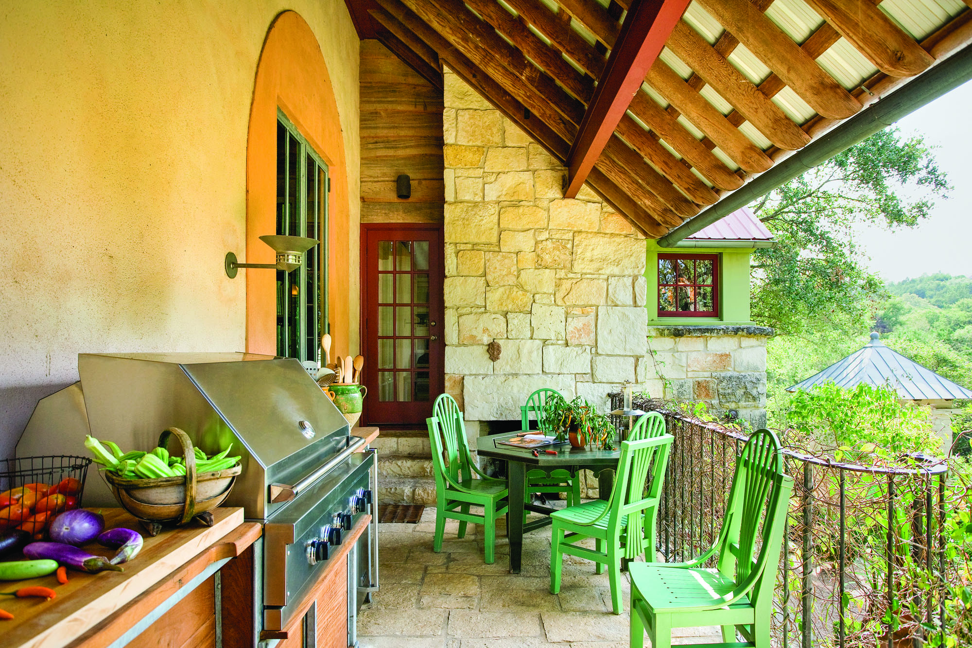 Warm climates lend themselves more readily to the concept of the outdoor kitchen. However, ventilation is still key when planning an alfresco space.