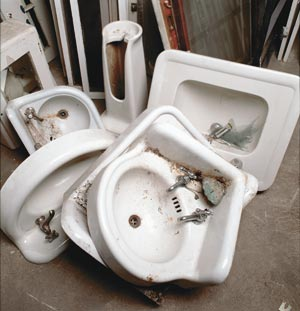 Used sinks at The Loading Dock await new homes.