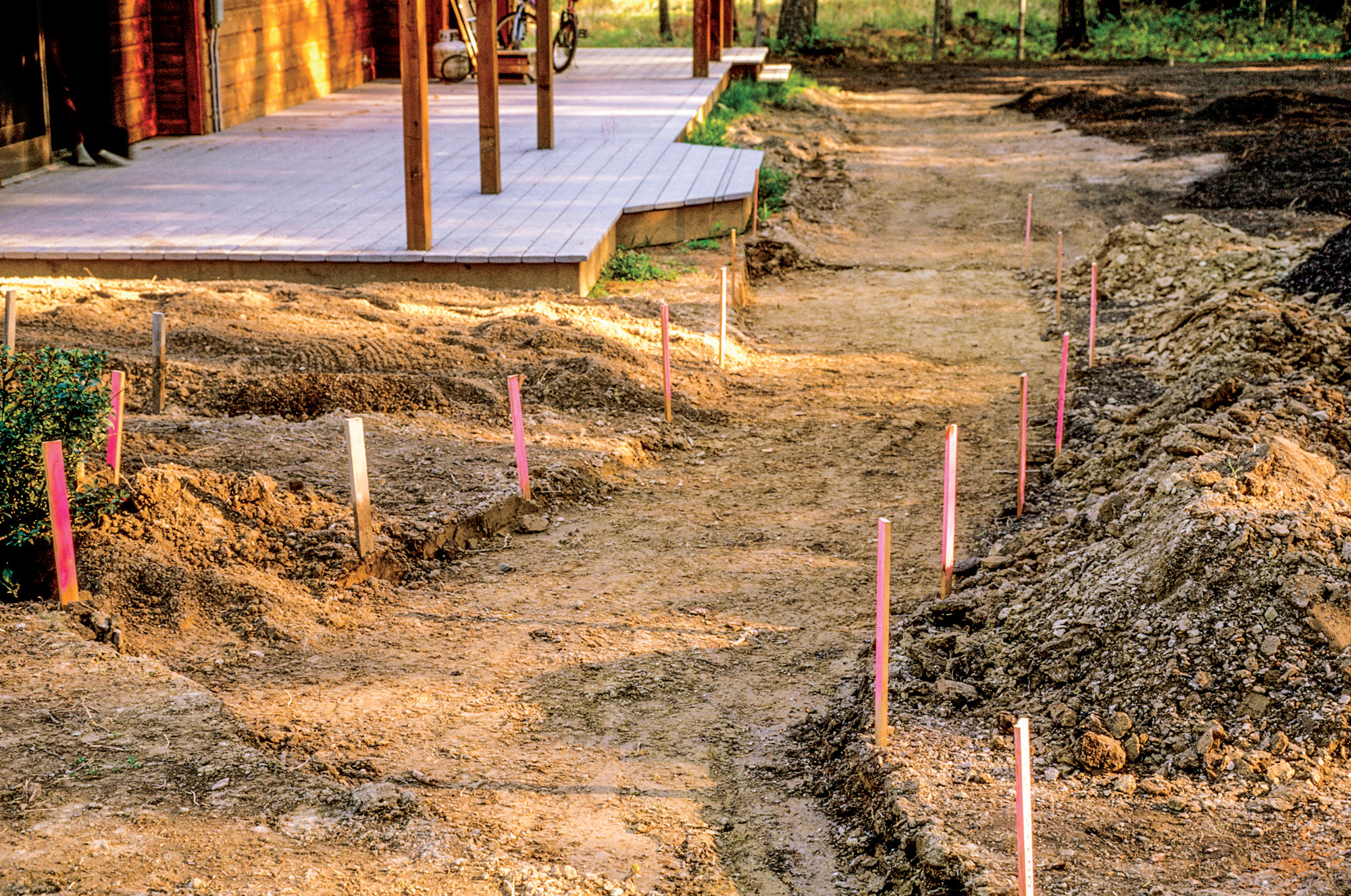 SB1_PAVIA 049 Building a Flagstone Path 260GD_gn