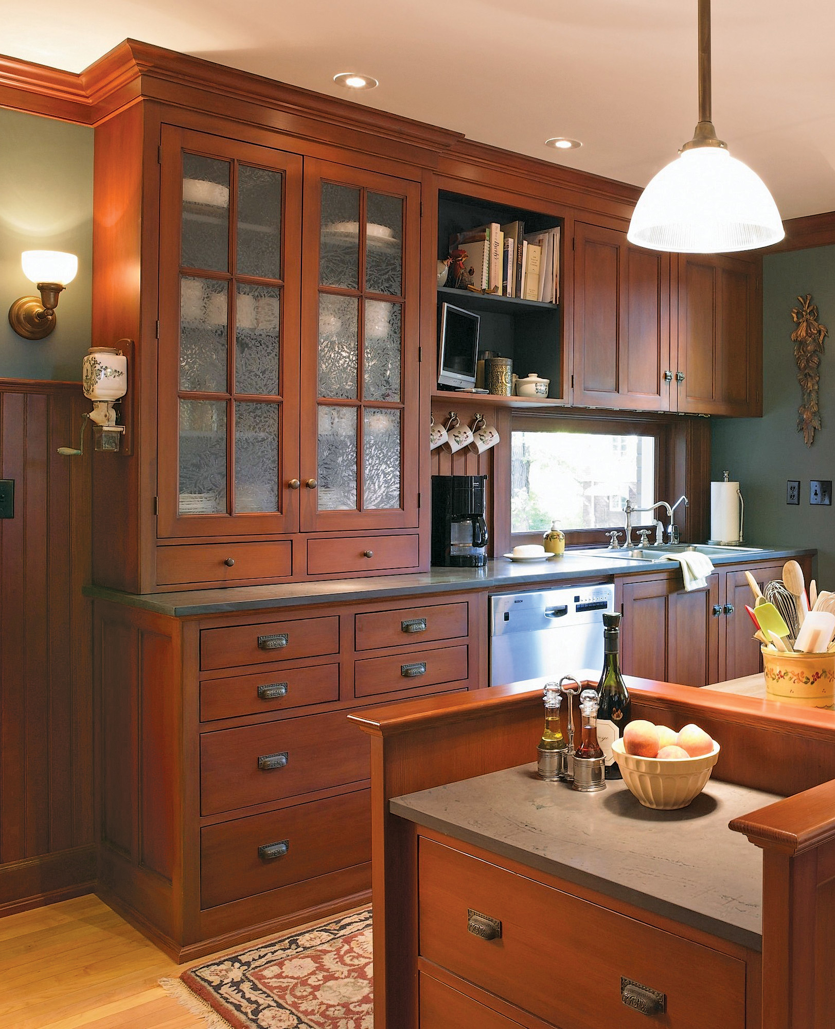 Design Kitchen Cabinet Online: Kitchen Cabinets For Period Houses