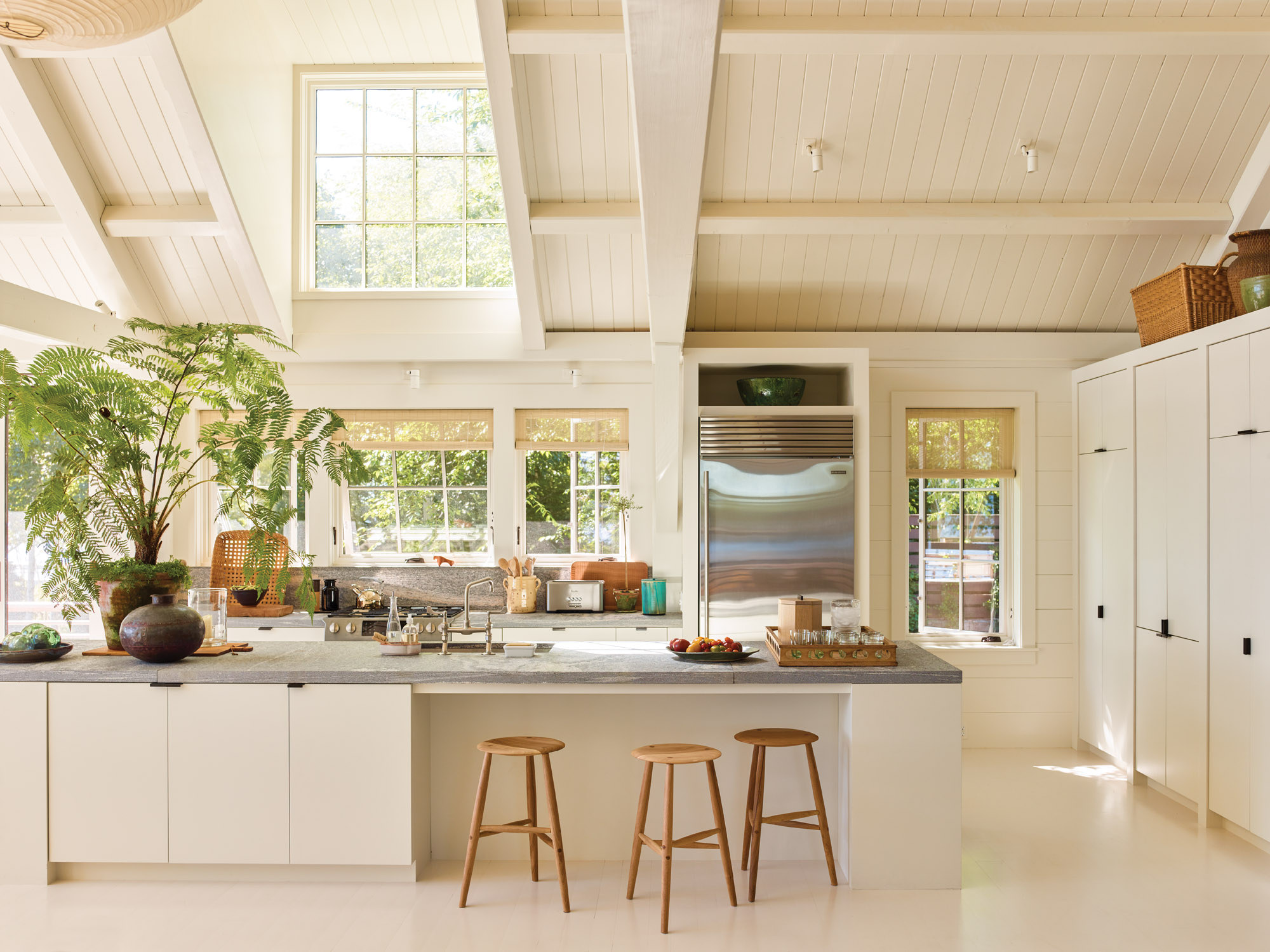 Maine granite counters, Gil Schafer summer house
