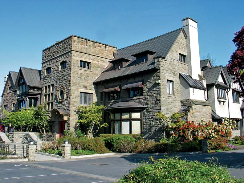 The Eliza Leary Mansion was Seattle's largest house in 1907, designed for grand entertaining.