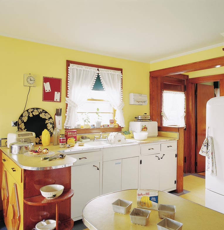 The porcelain sink and laminate counter at the Shelburne Museum in Burlington, Vermont, perfectly capture the feel of a 1950s kitchen.