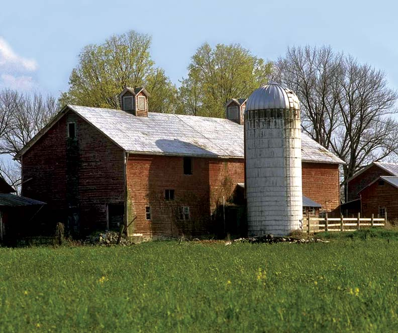 The author used a simple repair technique to fix the rotting soffit on his 100-year-old barn.