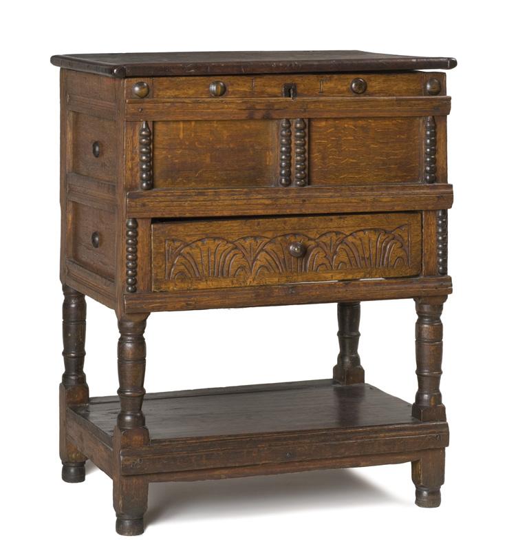 Spool-turned Furniture - Old House Journal Magazine