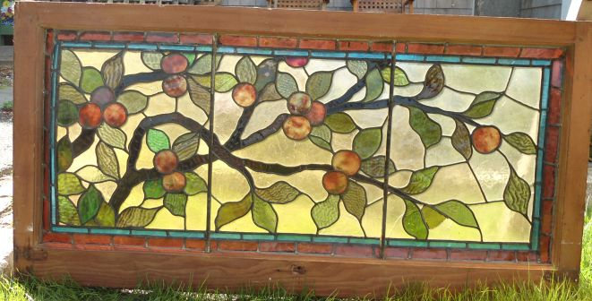 Although stained glass may appear to be stable, if the panes rattle when you drum on them with your fingertips, they need an application of fresh putty.