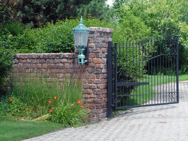 stockyards brick_granite-home