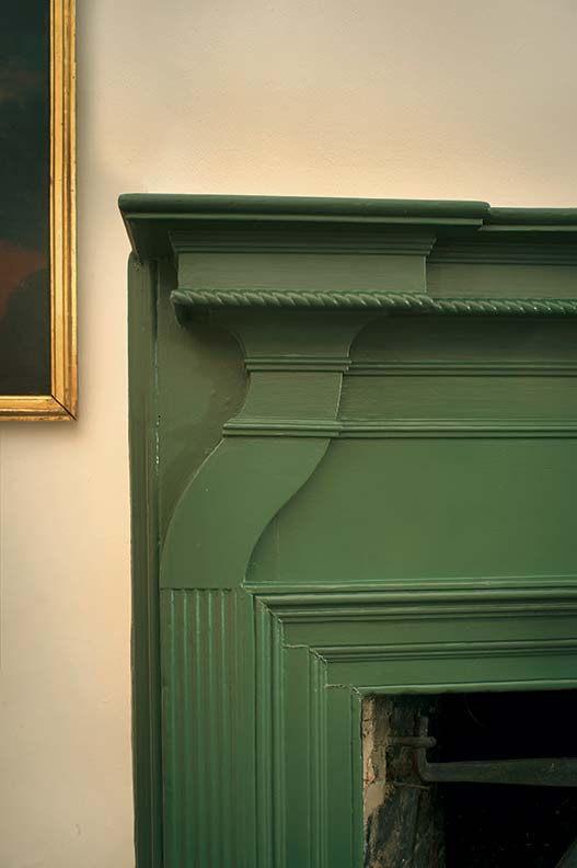 stone-house-patina-mantel