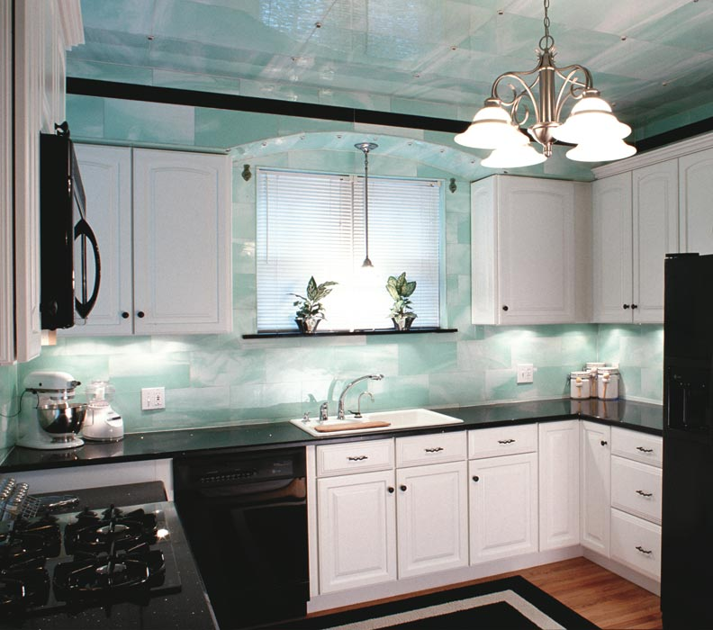 Old Home Kitchen Remodel: Reviving Structural Glass Kitchens