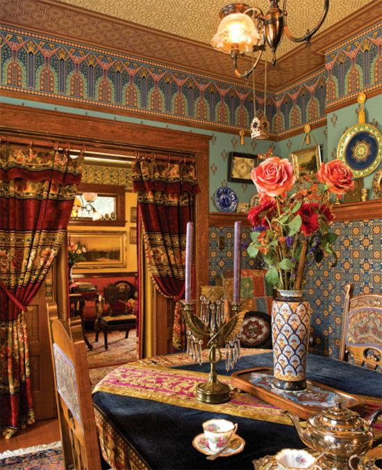 Victorian Era Dining Room: A Ravishing Victorian Home