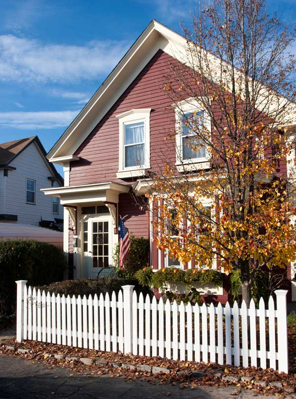 the best picket fences for old houses old house journal magazine. Black Bedroom Furniture Sets. Home Design Ideas