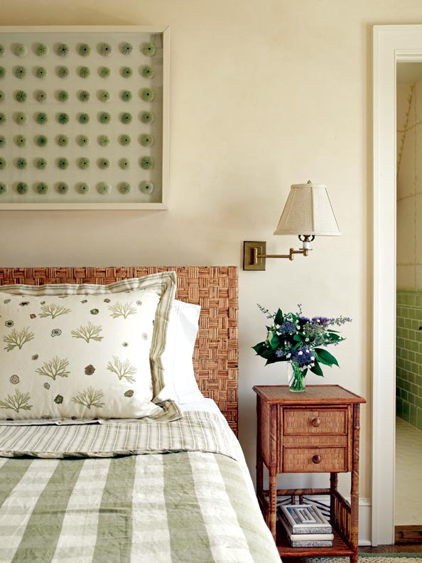 The guest bedrooms have a relaxed and restful décor.