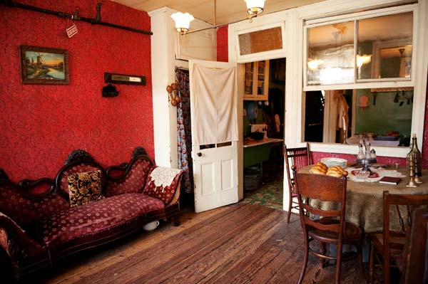 The Rogarshevsky parlor at the Tenement Museum. Photo: Keiko Niwa