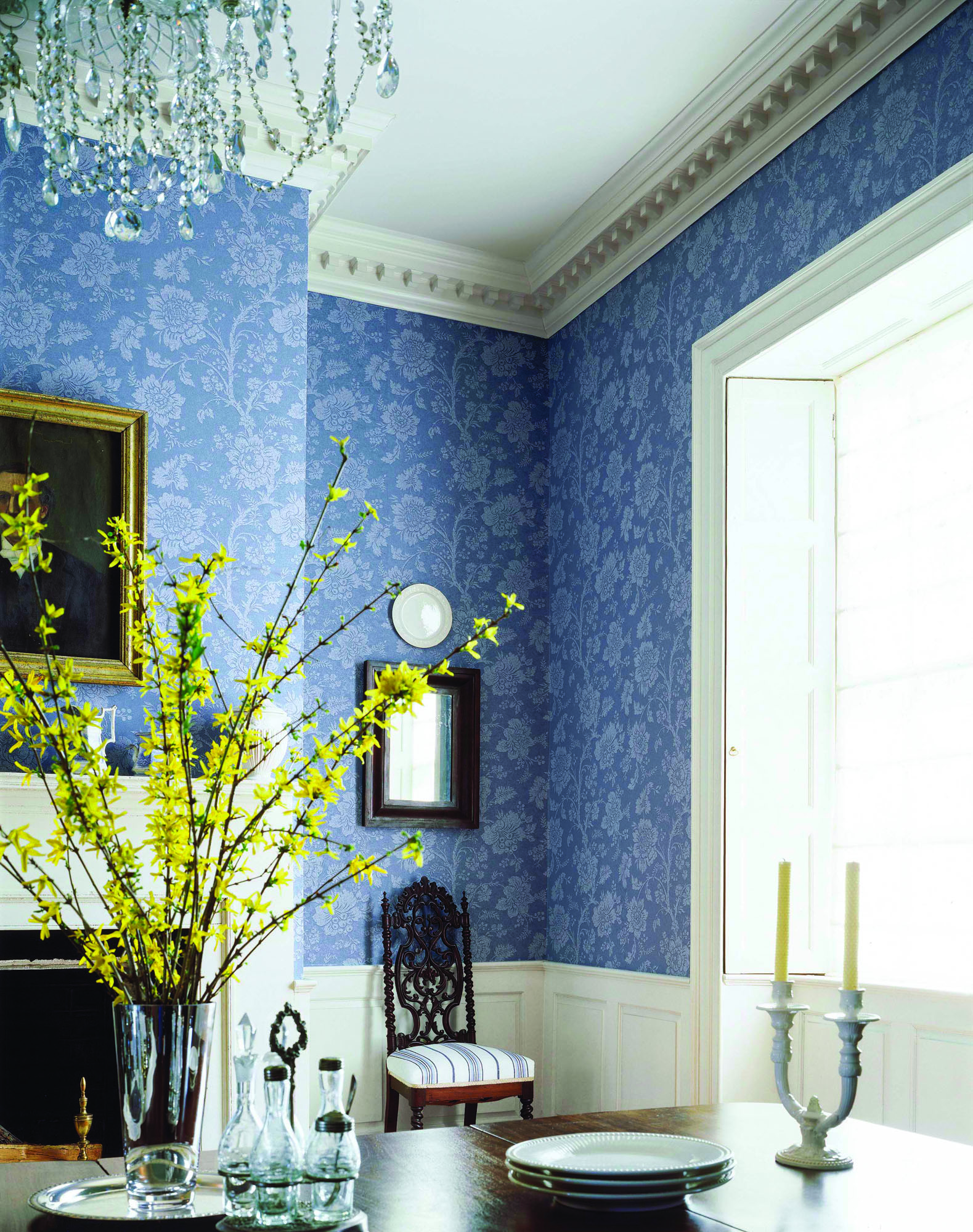 'Antonelli Damask' from Thibaut Designs is an unpasted, pretrimmed version of a traditional damask pattern.