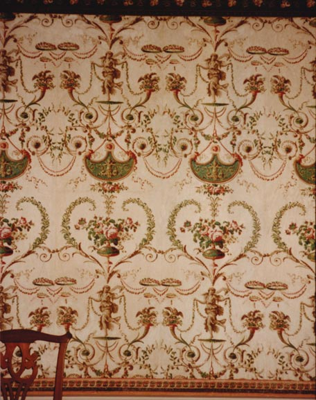 Dominant motifs that created repeating diamond shapes when viewed from a distance was another way in which wallpaper could present diaper patterns, as seen on this example from the late-18th-century Phelps-Hatheway house in Suffield, Connecticut.