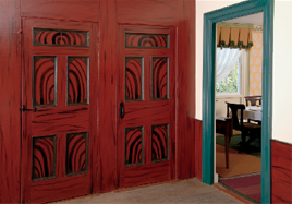 In the 1820s, grain painting was a popular decorative device, sometimes refined in imitation of mahogany, other times bold, wild, and utterly fanciful. Red-and-black graining with turquoise woodwork? Wow!
